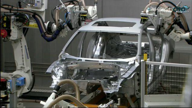 Nasıl Yapılmış? Otomobil Fabrikası Robotları